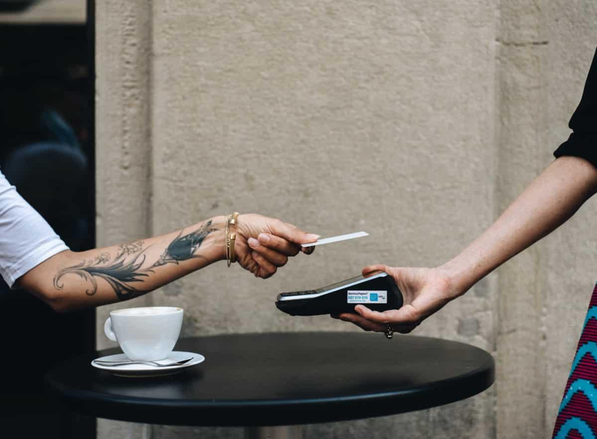 Café bietet Kartenzahlung an